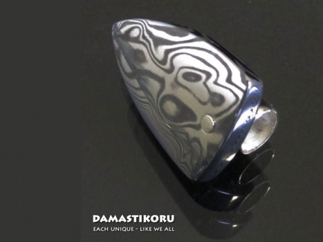 Damastikoru Beard Jewelry Bear's Tooth Small, Damascus steel