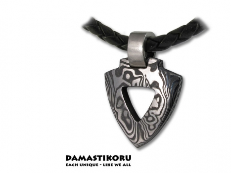 Damastikoru Triangle pendant, Damascus steel