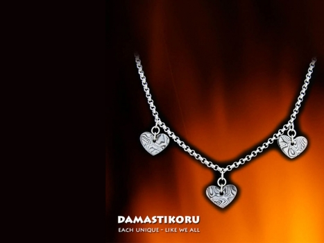 Damastikoru chain three hearts, Damascus steel